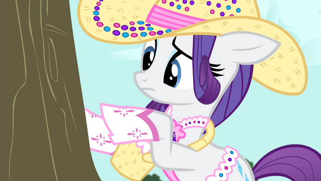File:Rarity punches tree S4E13.png
