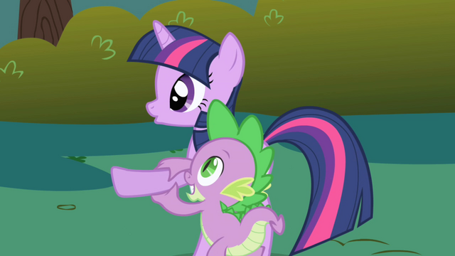 Файл:Spike steadies Twilight's hoof S1E01.png