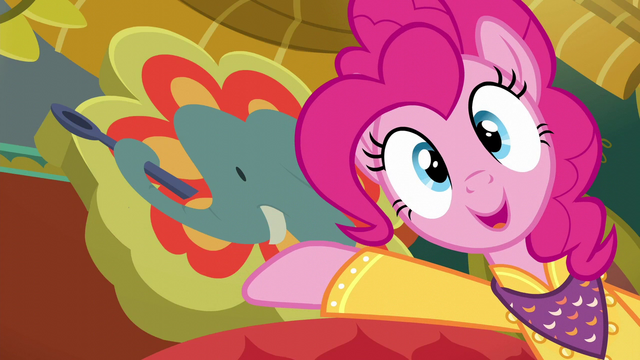File:Pinkie presenting Tasty Treat's original sign S6E12.png