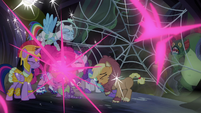 Twilight and friends teleport out of spider web S5E21
