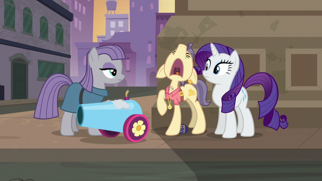 """File:Pouch Pony wailing """"please!"""" S6E3.png"""