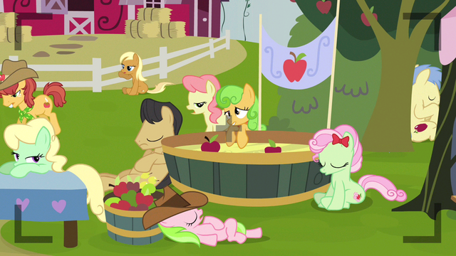 File:Apple Cobbler not enjoying this S3E8.png