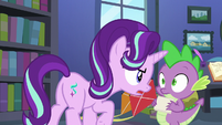 Starlight Glimmer gets in Spike's face S6E21