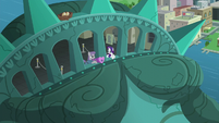 Maud and Rarity inside the statue's crown S6E3