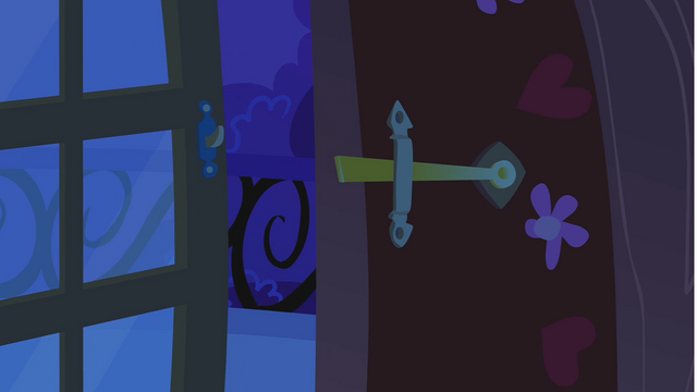 File:Balcony door left open by Twilight S1E24.png