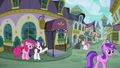 Rarity shows Pinkie Pie to Restaurant Row S6E12.png