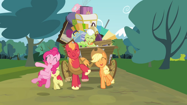 File:Pinkie Pie and the Apple family singing S4E09.png