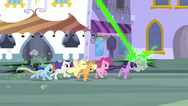 File:Changelings trying to attack main 6 S2E26.png
