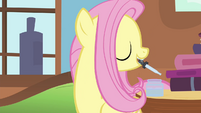 Fluttershy picks up eye dropper S4E16