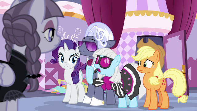 """File:Photo Finish """"you have a very focused vision!"""" S7E9.png"""