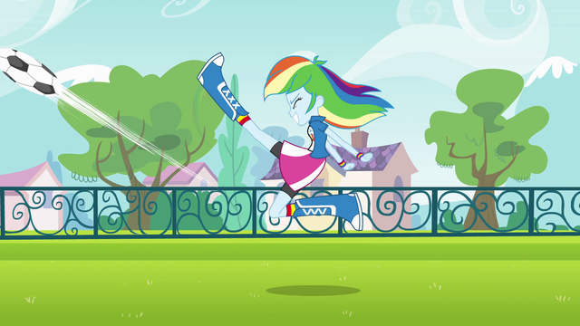 File:Rainbow Dash energetic soccer kick EG.png