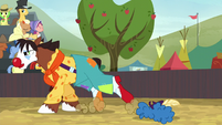 Trouble Shoes gallops across the field S5E6