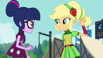 Applejack expecting a high five EG3