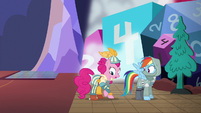 Pinkie Pie becomes a bard S6E17