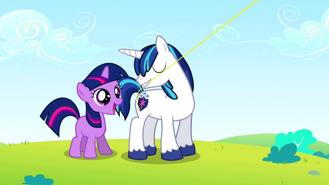 Arquivo:Twilight taught to fly a kite S02E25.png