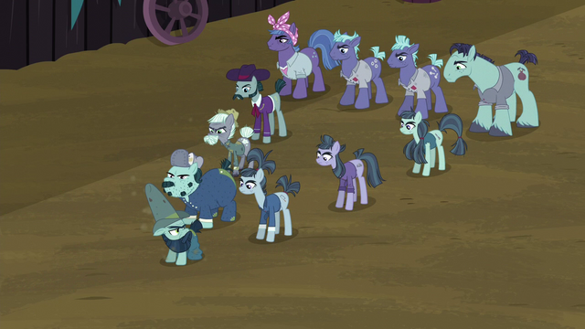 File:McColts in Delta Force formation S5E23.png