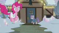 Pinkie Pie bouncing to her house's front door S5E20