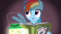 Rainbow Dash under the covers S02E16
