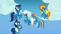 Wonderbolts surprised by sudden fireworks S7E7
