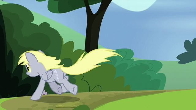 File:Derpy gallops after the pizza box S7E4.png