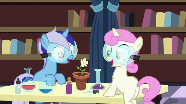 File:Filly Minuette and Twinkleshine grow a flower S7E1.png