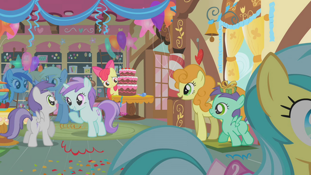 File:Apple Bloom hiding behind cake S01E12.png