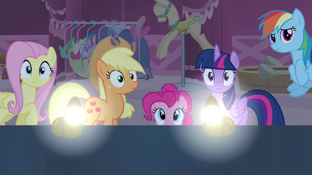 File:Room darkens and lights on S4E13.png