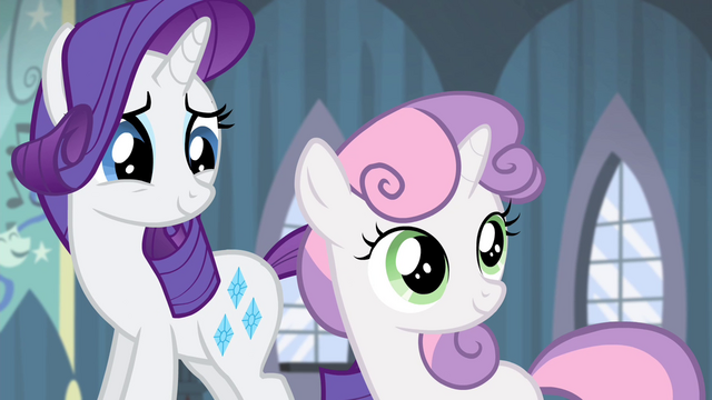 File:Sweetie Belle looking at the door S4E19.png