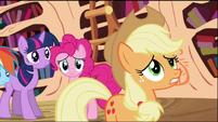 Applejack worried S02E03