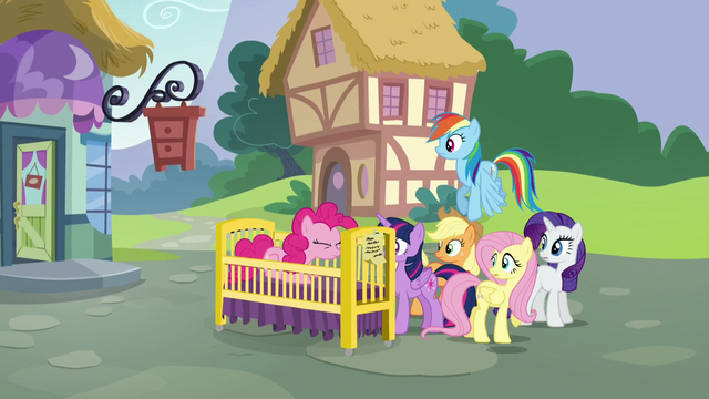 File:Pinkie Pie appears in a crib S5E19.png