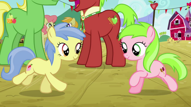File:Apple Flora and Candy Caramel Tooth run toward each other S3E8.png