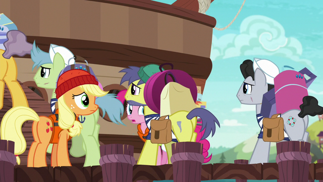 File:Incredibly long line of porter ponies S6E22.png