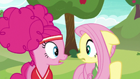 Pinkie and Fluttershy look at each other worried S6E18