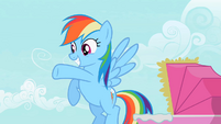 Rainbow Dash waving S2E8