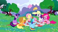 Main 6 having a picnic S02E25