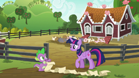 "Spike ""step two, close the gate"" S6E10"