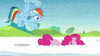 Pinkie puts her head into the snow S5E11