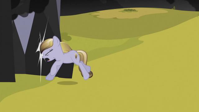 File:Crystal pony bumps into black pillar S3E02.png