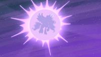 Luna appears S4E19