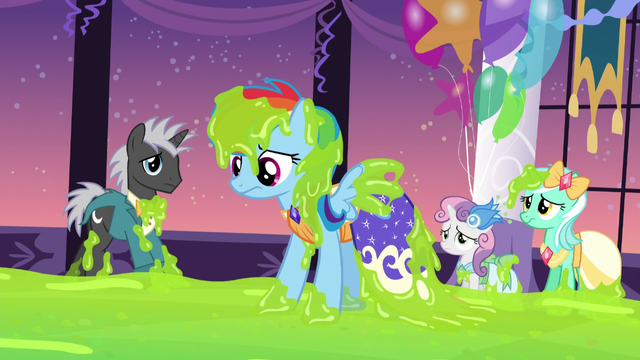 File:Rainbow Dash covered in slime S5E7.png