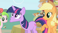 Twilight spits out the food Applejack fed her S1E01.png