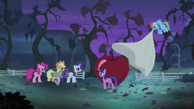 """File:Twilight directing friends """"action stations!"""" S4E07.png"""