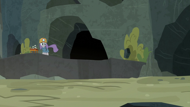 File:Maud Pie watches the rock bounce away S7E4.png