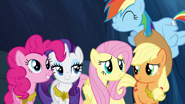 File:Twilight's friends feeling proud S4E02.png