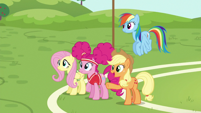 File:Applejack presenting the training course S6E18.png