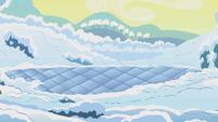 Ice chunks melting S1E11