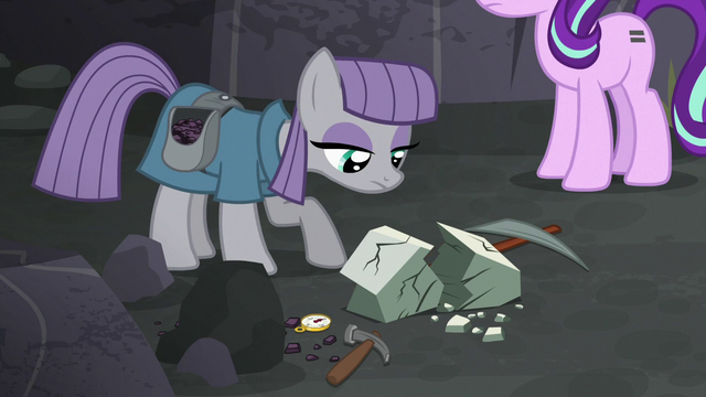 File:Starlight approaches Maud in flashback S7E4.png