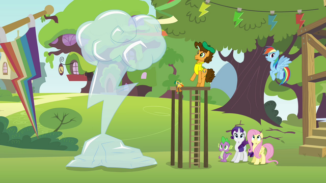 File:Ponies hear Pinkie Pie's voice S4E12.png