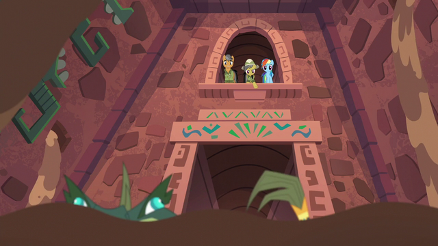File:Daring Do points down at the Cipactli S6E13.png