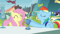 Crystal chalice cracks in Rainbow's hooves S4E22